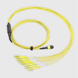 MPO Fanout Kabel 8 Fasern LC OS2